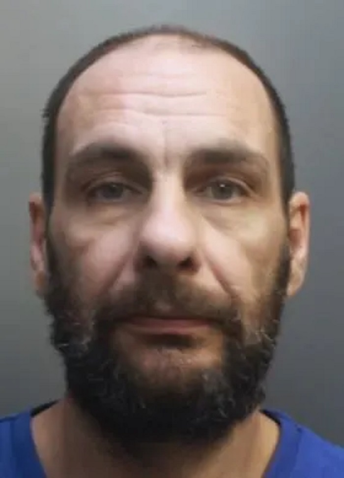 Serial thief banned from Little Sutton and Great Sutton indefinitely