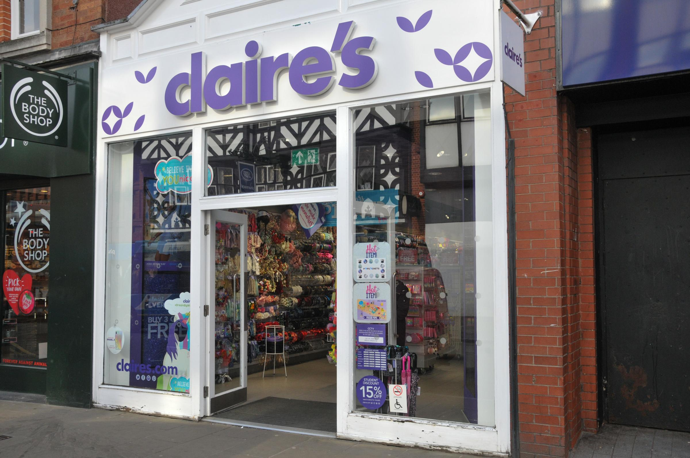 Claire's jewellery and accessories shop on Foregate Street, Chester. SW23218B.
