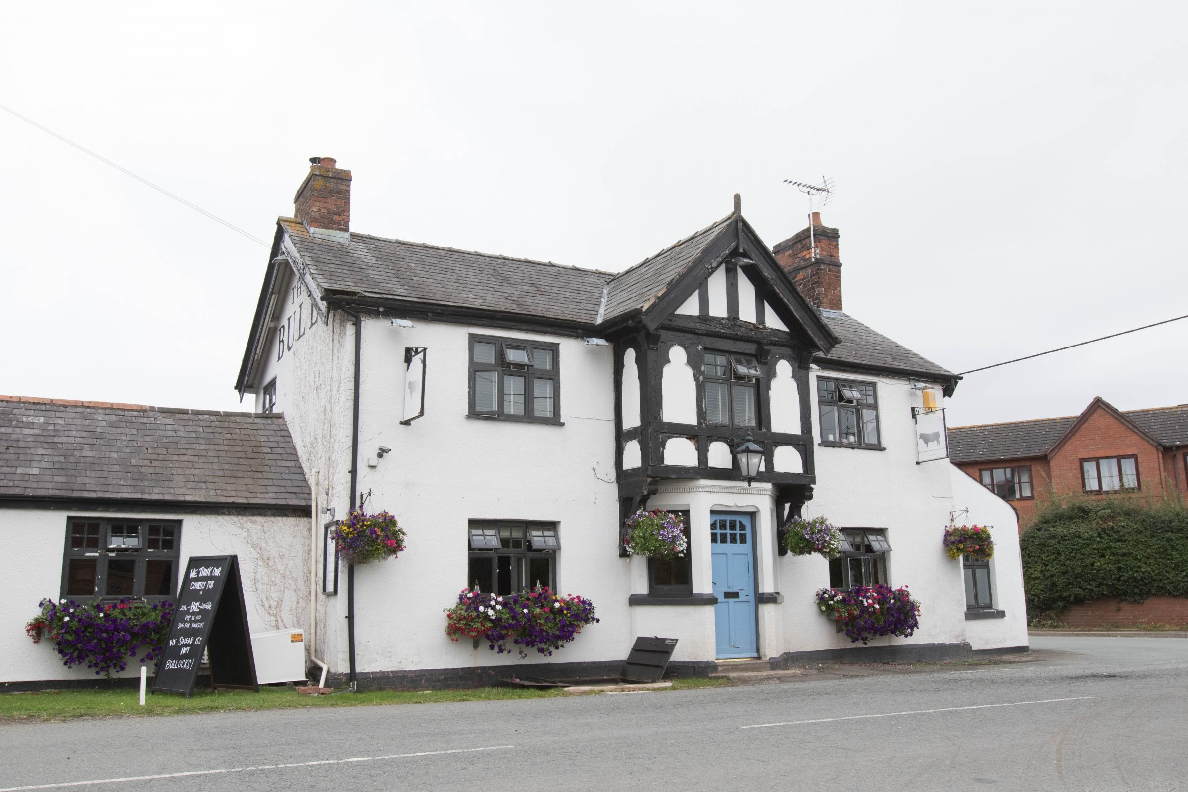 The Bull Shocklach, Malpas